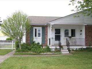 Comfortable House with 2 BR-2 BA in Cape May (8816) - Image 1 - Cape May - rentals