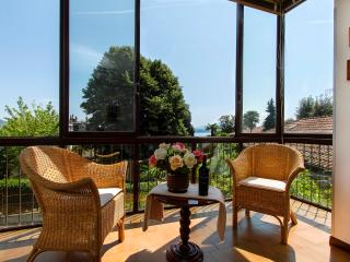 Stresa Rampolino apartment 30 meters from lake - Stresa vacation rentals