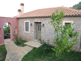 Cozy 3 bedroom Vacation Rental in Tyros - Tyros vacation rentals