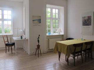 Very charming Copenhagen apartment at Genforening sq - Copenhagen vacation rentals