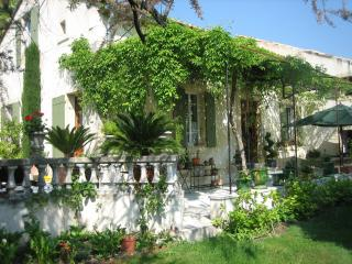 Nice House with Internet Access and Dishwasher - Suze-la-Rousse vacation rentals