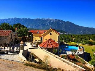 Enjoy the Rustic Experience of this Villa Hacienda Dalmatia - Grabovac vacation rentals