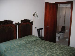 6 bedroom B&B with Television in Galatone - Galatone vacation rentals