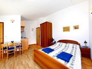 Mediha Studio Apartment on peninsula Pelješac (A6) - Orebic vacation rentals