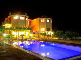 Superb Holiday Villa only 20 km from the sea - Slime vacation rentals