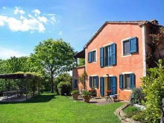 Villa La Vetrichina offers a lovely terrace, welcome dinner and housekeeping - Tuscany vacation rentals