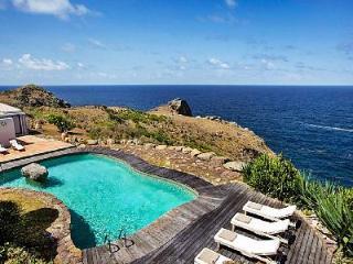 Ocean view Villa Sammartini offers al fresco dining and outdoor pizza oven - Petit Cul de Sac vacation rentals