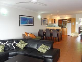 Nice 2 bedroom Hamilton Island Condo with Short Breaks Allowed - Hamilton Island vacation rentals