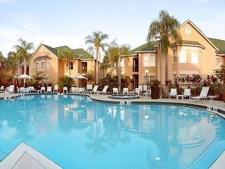 Great resort value in Kissimmee, 10 minutes from Disney, sleeping 6 guests - Kissimmee vacation rentals