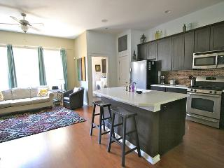 The Zach Scott - 2BR/2.5BA - Charming Family Town Home - Pool Access! - Austin vacation rentals