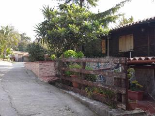bivani arredato indipendente a monreale, vicino a - Monreale vacation rentals