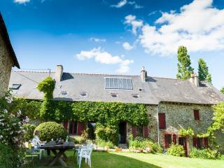 "Holiday Ecologite, Brittany  ""La Riviere"". - Martigne-Ferchaud vacation rentals"