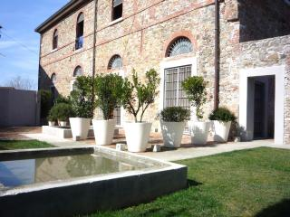 TUSCAN OIL MILL LUXURY HOME NEAR BEACH - Ortonovo vacation rentals
