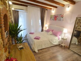 Stylish apartment in center of Rovinj, in old town - Rovinj vacation rentals