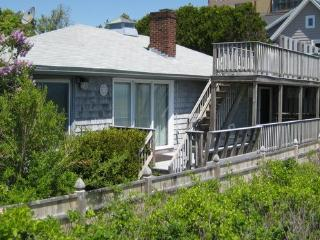 Direct Beachfront 4 Bedroom Vacation Home, Two Fabulous Oceanfront Decks, Wonderful Amenities Inside & Out, Easy Walk to the Old - Saco vacation rentals