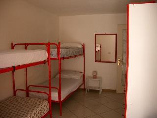 Bright 2 bedroom San Vero Milis Townhouse with Parking - San Vero Milis vacation rentals