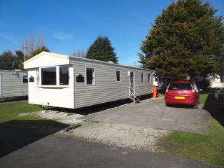 ABI Horizon Caravan 8 Berth 3 Bedrooms 2 Bathrooms - Blackpool vacation rentals