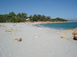 Appartamento fronte spiaggia - Cala Liberotto vacation rentals