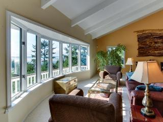 Ocean & river front with hot tub, views, pet-friendly! - Yachats vacation rentals