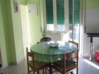 Cozy 2 bedroom Apartment in Pescara - Pescara vacation rentals