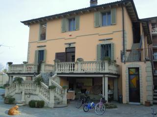 3 bedroom Guest house with Internet Access in Casale Monferrato - Casale Monferrato vacation rentals
