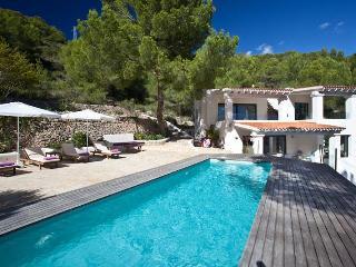 Cana Berena - Es Vive vacation rentals