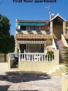 Sunny apartment with views to the pool and gardens - Torrevieja vacation rentals