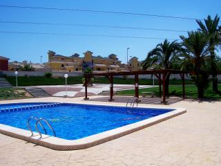 Great Property With Communal Pool Air-Con Wi-Fi - Algorfa vacation rentals