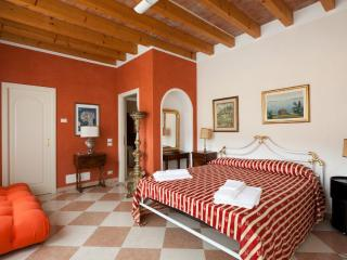 PATIO APARTMENT - San Felice del Benaco vacation rentals
