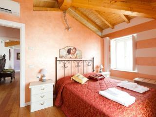 LOFT APARTMENT - San Felice del Benaco vacation rentals
