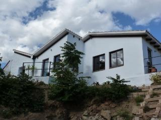 Casa Luca - friendly, bright and open holiday home - Cutar vacation rentals