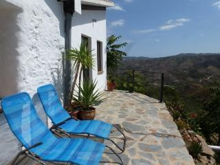 Casa Luca - breathtaking view, bright and friendly - Cutar vacation rentals