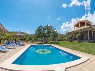 ESCUDER - Selva vacation rentals