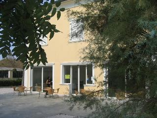 Cozy 2 bedroom Miramare Di Rimini Condo with Television - Miramare Di Rimini vacation rentals