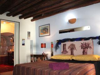 Esclusive Dependance!! - Palermo vacation rentals