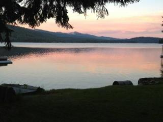 Gorgeous lakefront cabin with picturesque views and a private dock! - McCall vacation rentals