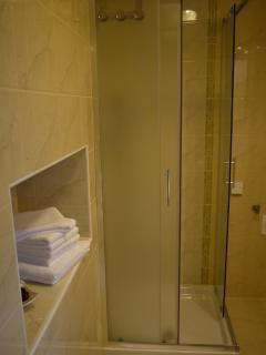 Comfortable 1 bedroom Sezana Condo with Internet Access - Sezana vacation rentals
