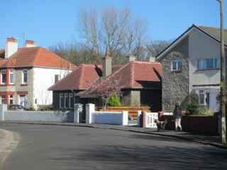 Perfect 2 bedroom Cottage in Troon with Internet Access - Troon vacation rentals