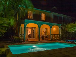 MARLENE... adorable 2 bedroom townhome in the heart of Orient Bay - Orient Bay vacation rentals