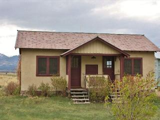 Charming Emigrant vacation Cabin with Internet Access - Emigrant vacation rentals