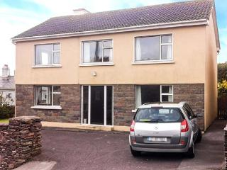 1 SLOANE HEIGHTS, pet friendly, with a garden in Waterville, County Kerry, Ref 4090 - Waterville vacation rentals
