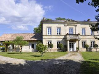Nice Gite with Internet Access and Satellite Or Cable TV - Pessac vacation rentals