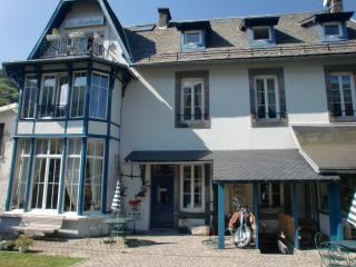 Nice Condo with Internet Access and Wireless Internet - Le Mont-Dore vacation rentals