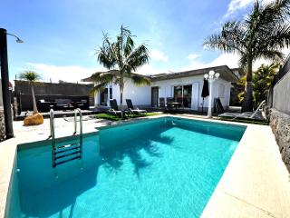 Holiday Home Sara with private HEATED POOL & WIFI - Puerto de la Cruz vacation rentals
