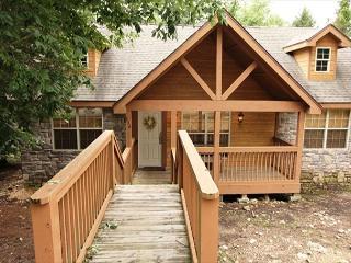 DeerHaven Lodge : 2 Bedroom, 2 Bath Stonebridge Resort Cabin - Branson West vacation rentals