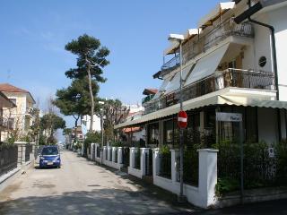 Residence la Villetta floor 2  PIANO SECONDO - Riccione vacation rentals