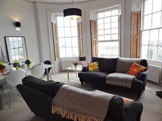 Brighton Beach Apartment - Super Stylish Rental - Brighton vacation rentals