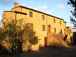 Naioli Farmhouse - Merlot apartment - Pitigliano vacation rentals
