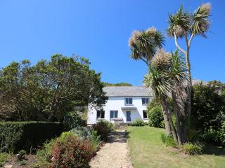 Foss cottage: panoramic seaview, idyllic spacious - East Prawle vacation rentals