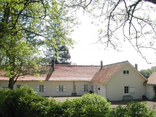 5 bedroom Farmhouse Barn with Satellite Or Cable TV in Montreuil-sur-Mer - Montreuil-sur-Mer vacation rentals